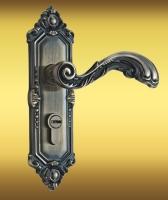 Лакированная дверная ручка